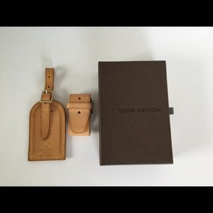 Louis Vuitton Luggage tag and handle holder set
